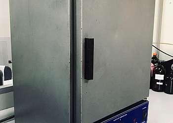 Laboratório de avaliação em óleos isolantes